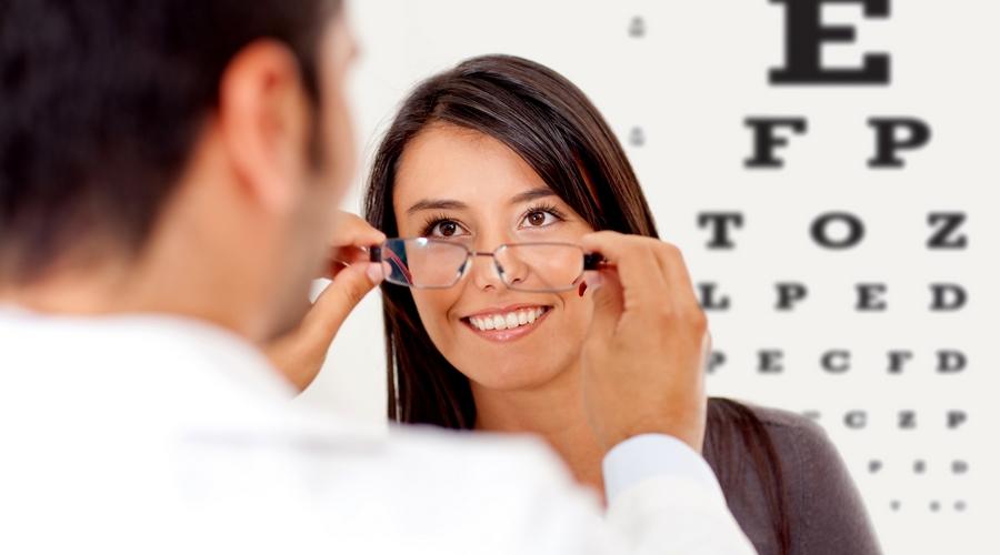 Если человек корректирует зрение, то он без проблем устроится на желаемую должность