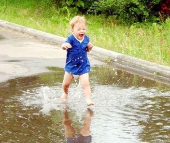 Ребенок в 1 год и 6 месяцев учиться бегать