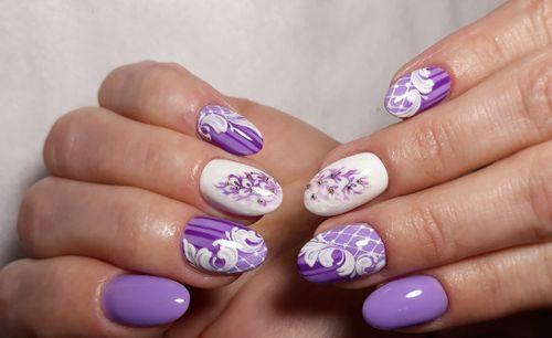 Маникюр белый и фиолетовый