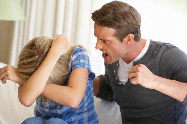Как уйти от мужа тирана, если он не отпускает