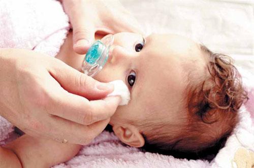 Капли при конъюнктивите для взрослых, детей, беременных