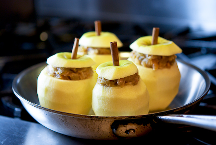 Запеченные фаршированные яблоки. Пошаговый рецепт
