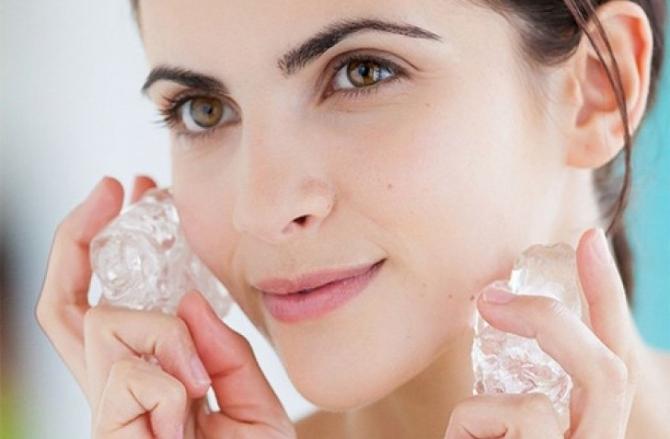 Как правильно протирать лицо льдом: польза и вред процедуры