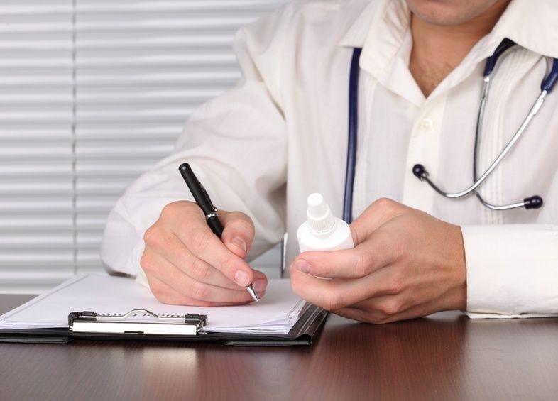 Только врач может выписывать лекарства