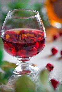Плоды боярышника: польза и рецепты джема, компота, конфет, сока
