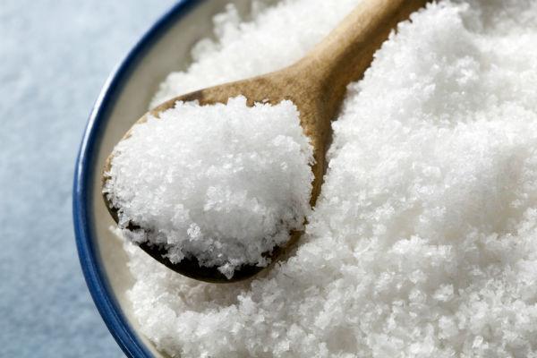 преимущества и недостатки применения соли для волос
