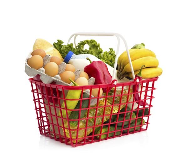 Магазинная корзинка с продуктами