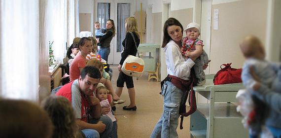 Очереди в детской поликлинике можно избежать, проходя терапию дома