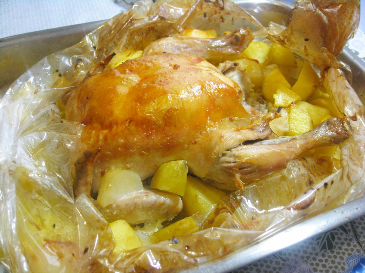 Как быстро приготовить курицу с картошкой в рукаве в духовке