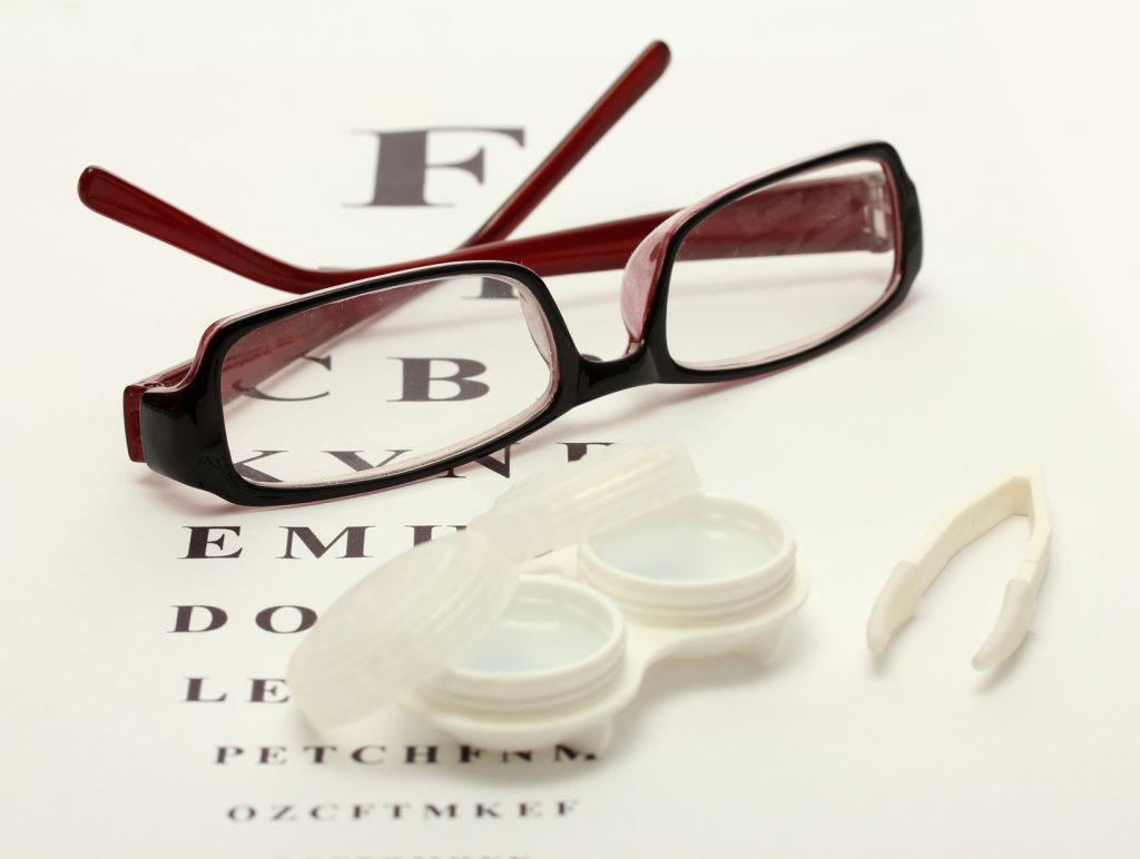 Очки или линзы: выбор за вами