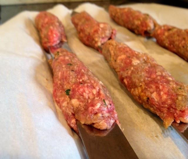 Вкусный люля-кебаб из свинины и говядины