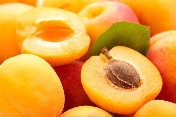 особенности применения масла абрикосовых косточек для волос