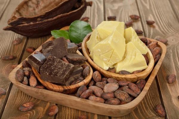 Масло какао на подносе