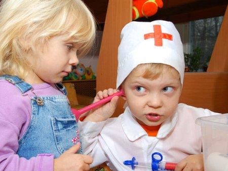 Рагвитие детей в 2,5 года - игра во врача