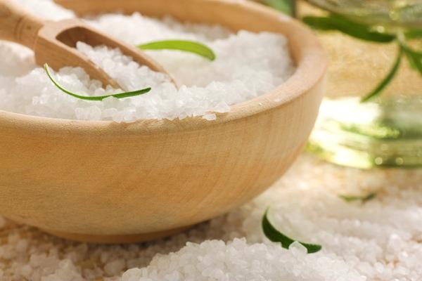 особенности применения соли для волос