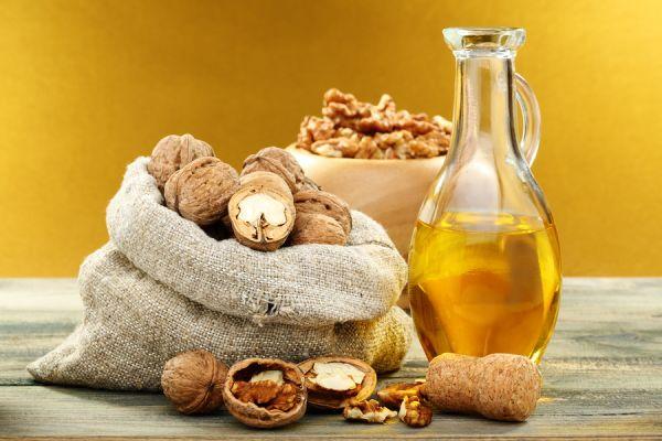 особенности применения масла грецкого ореха для волос