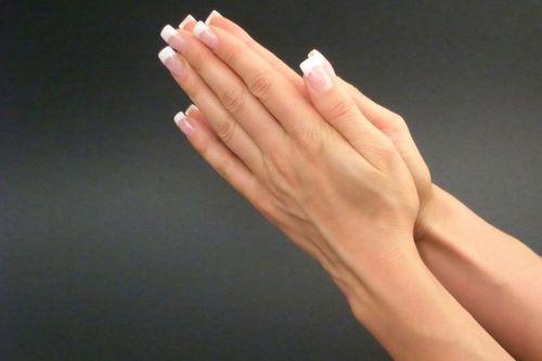 Причины сухости ногтей