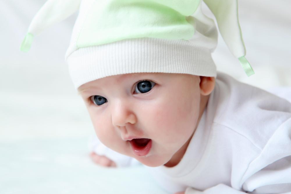 У ребенка до полугода может присутствовать мнимая форма недуга