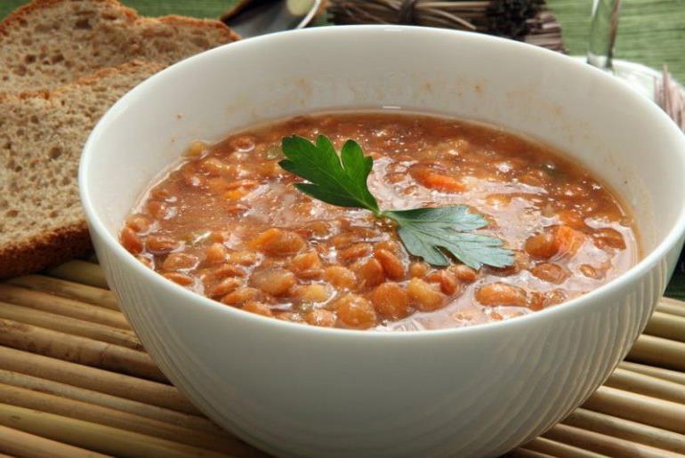 Как быстро приготовить суп из чечевицы