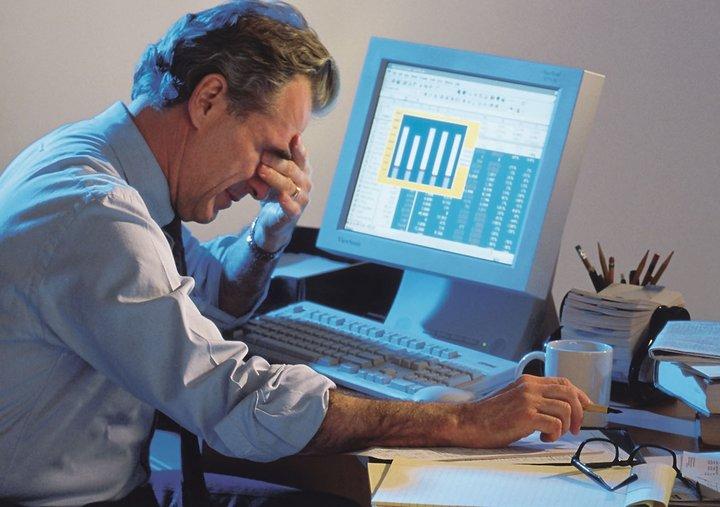 При работе за компьютером глаза устают и болят