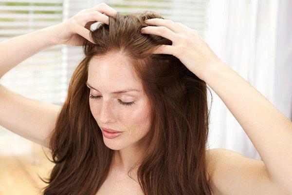 когда нужно укреплять корни волос