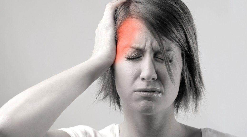 Болит правая сторона головы: что делать?