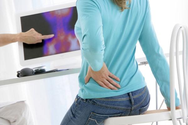 Причины боли в пояснице у женщин и быстрое лечение