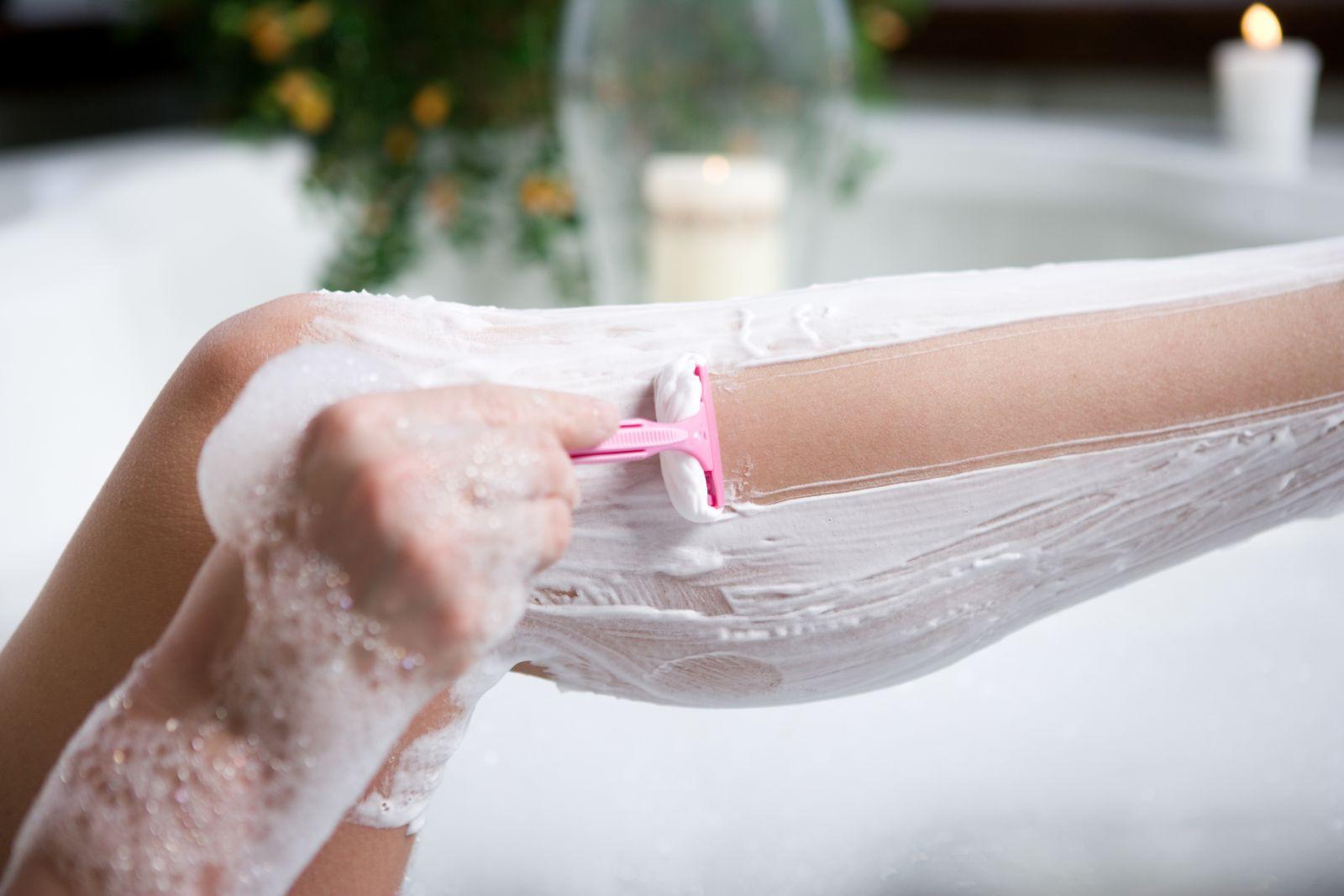 Как правильно брить ноги в первый раз. Плюсы и минусы бритья станком