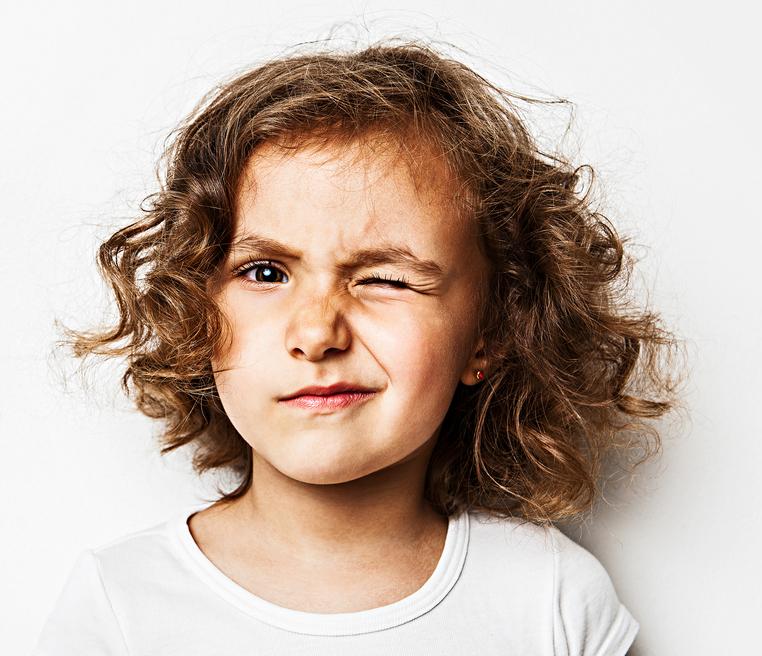 Ребенок часто моргает - сводите его к окулисту