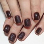 Шеллак коричневого цвета