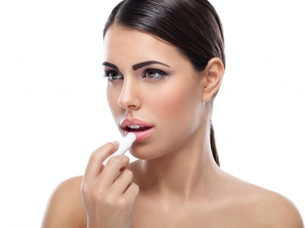 Заеды на губах: причины и как лечить народными средствами