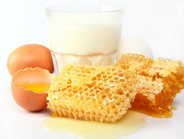 Компоненты для маски с желтком и мёдом