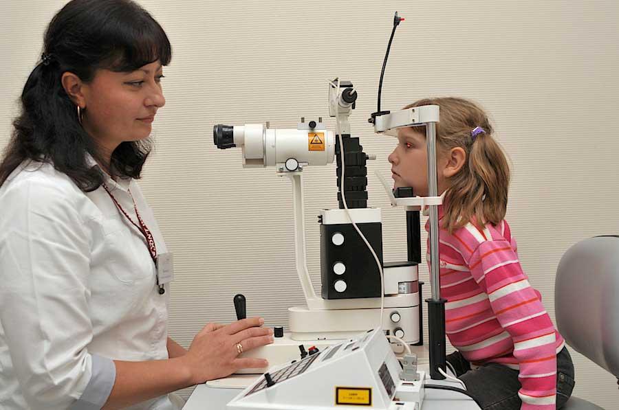 Детям чаще назначают аппаратный метод терапии