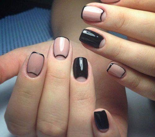 Бежевый лак с черным в стиле Chanel
