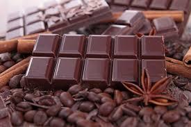 Рекомендуется отдавать предпочтение черному шоколаду