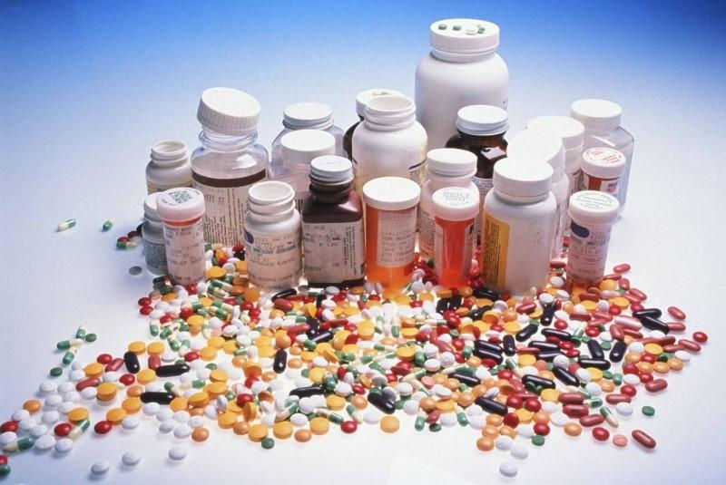 Витаминные комплексы продаются в аптеках