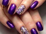 Наносим фиолетовый шеллак на ногти тренды сезона