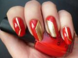 Делаем красивый маникюр красный с золотым на ногти