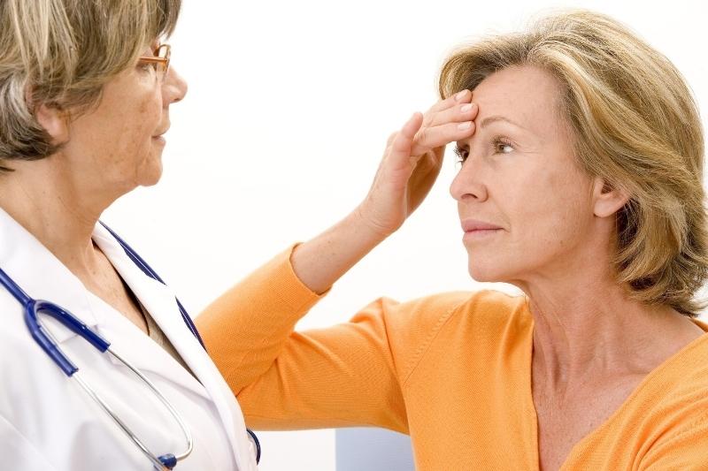Сухость и жжение в интимной зоне у женщин при менопаузе: причины и лечение