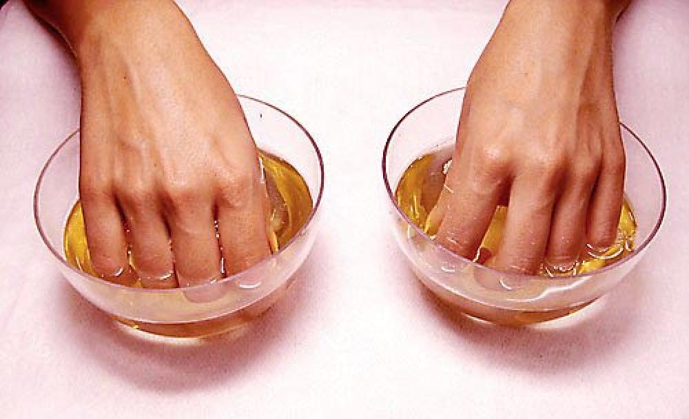 Деформация ногтевой пластины на руках: причины и лечение