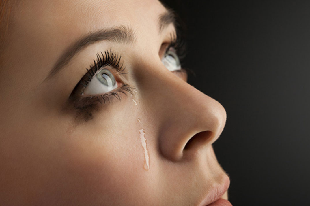 Почему болит голова и глаза возможные болезни и симптомы их проявления