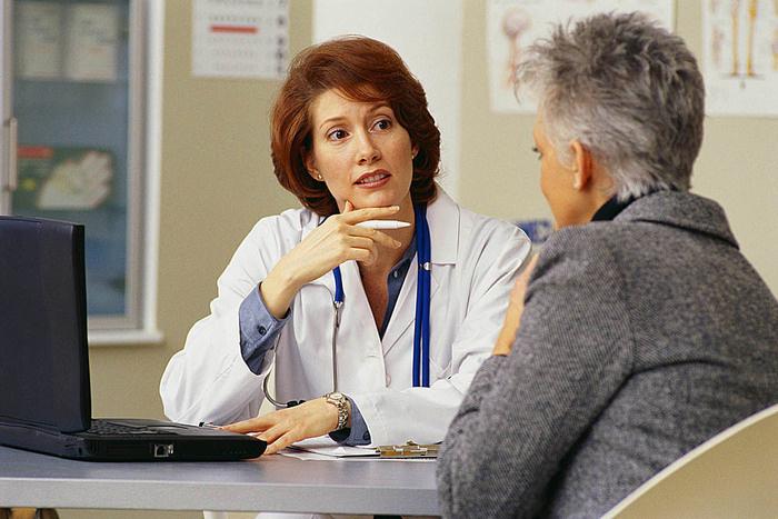 Длительные месячные после 45 лет: причины и лечение