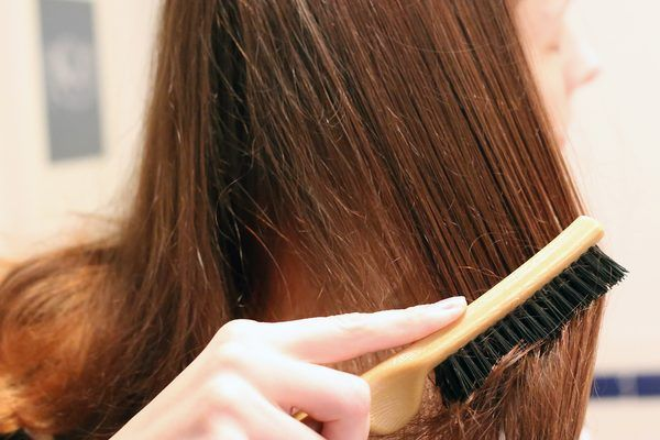 как проводится процедура бразильского выпрямления волос Brazilian Blowout