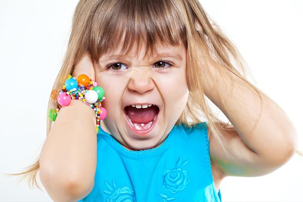 Плохое зрение часто раздражает детей, и это проявляется в их плохом поведении